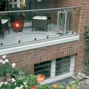 Balkongeländer und Kellerfenstersicherung